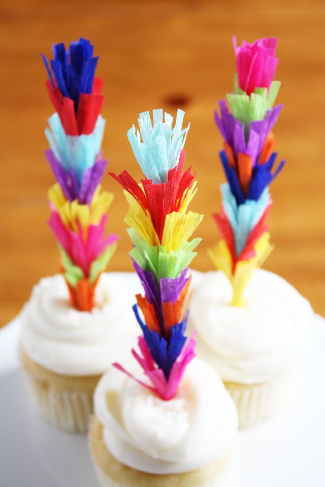 Tall Fringe Cupcake Toppers | 25+ Cinco de Mayo Ideas