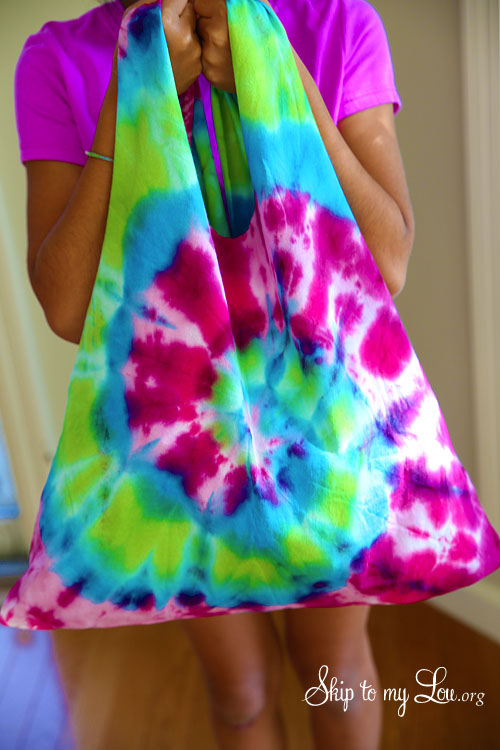 Tie Dye Tshirt Bag | 25+ Summer Crafts for Kids