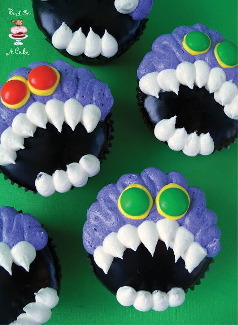 Toothy Monster Cupcakes | 25+ Halloween Party Food Ideas