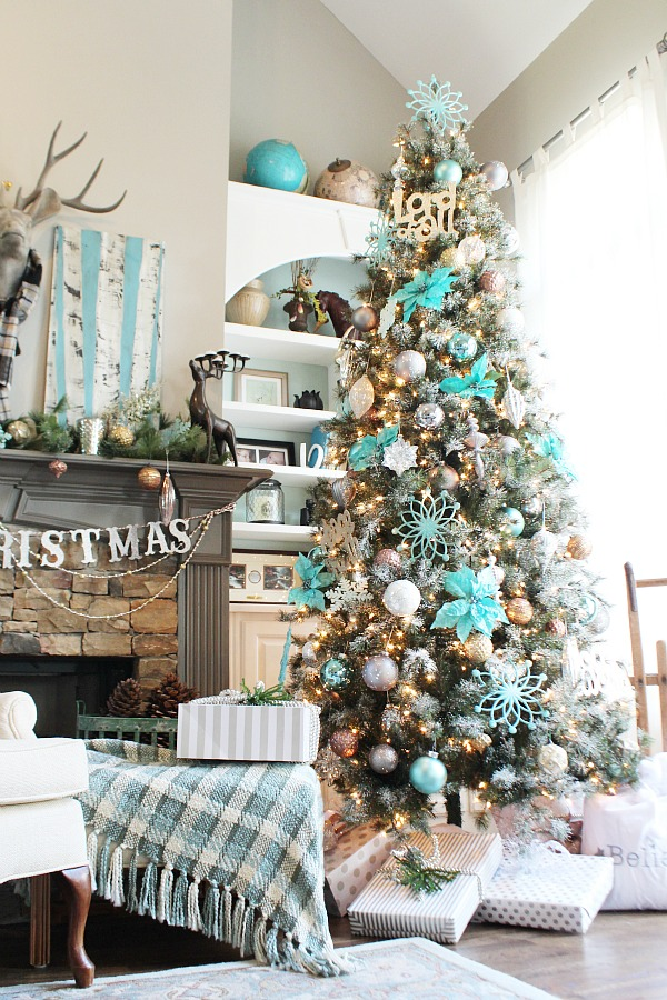 Turquoise Winter Wonderland Christmas Tree