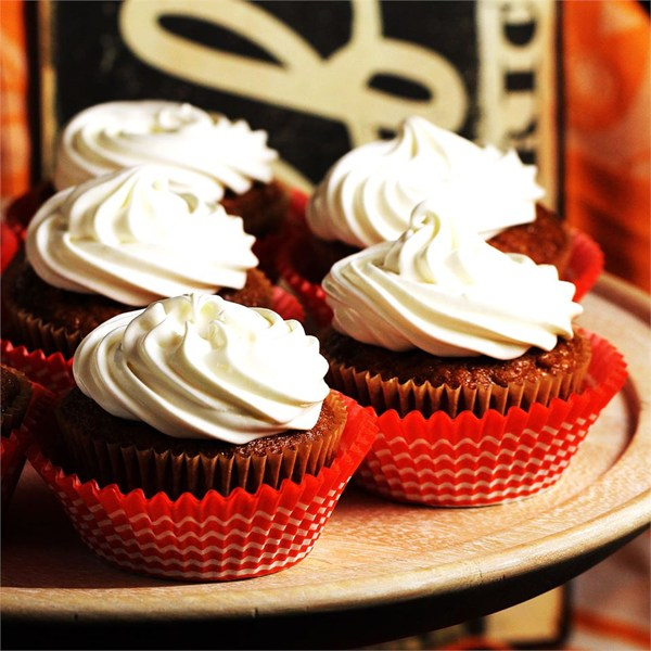 Whipped Cream Cream Cheese Frosting   25+ Cupcake Frosting recipes