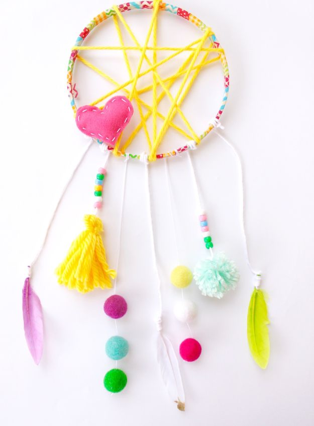 DIY Dream Catchers - Yarn Dreamcatcher - How to Make a Dreamcatcher Step by Step Tutorial - Easy Ideas for Dream Catcher for Kids Room - Make a Mobile, Moon Designs, Pattern Ideas, Boho Dreamcatcher With Sticks, Cool Wall Hangings for Teen Rooms - Cheap Home Decor Ideas on A Budget http://diyprojectsforteens.com/diy-dreamcatchers