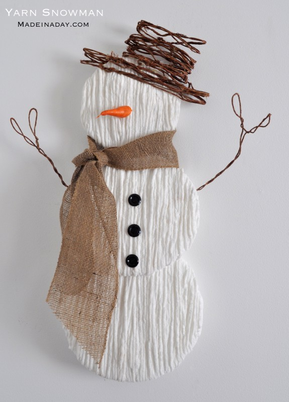 Yarn Snowman | 25+ Winter decor crafts