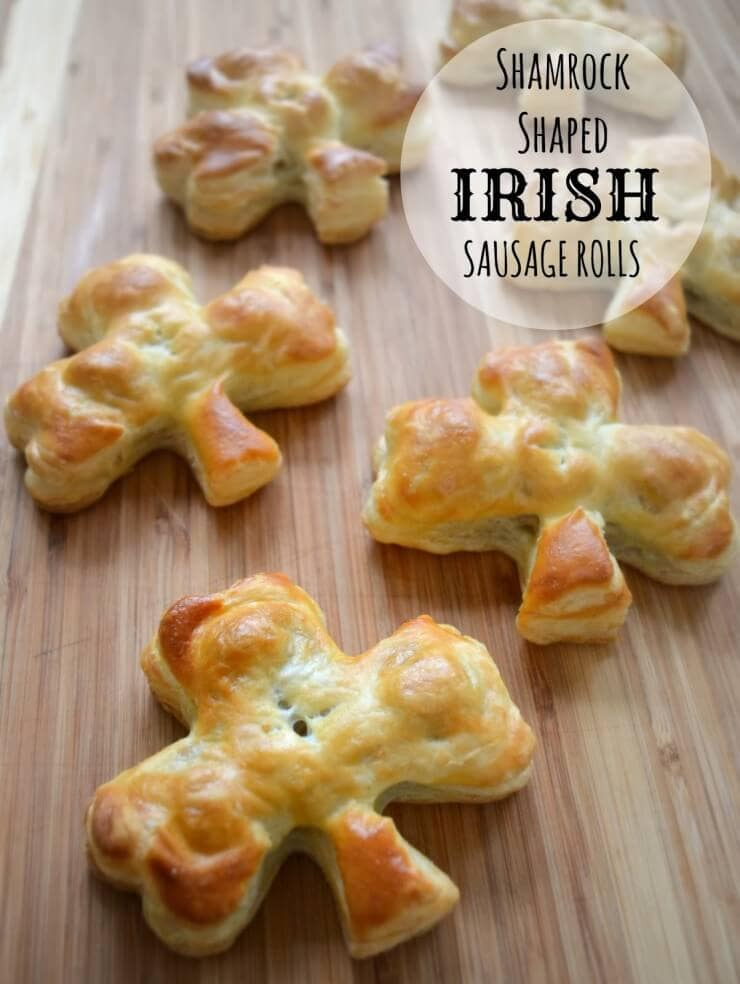 Shamrock Shaped Irish Sausage Rolls | Top 50 St. Patrick's Day Green Food - have fun with St. Patrick's Day and surprise your family and friends with these fun, festive green recipes!