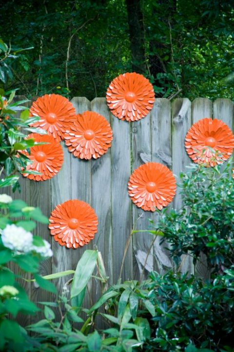 Cheap DIY Art Projects to Beautify Your Backyard Landscape - DIY Outdoor Garden, diy outdoor decor, DIY Garden Decor