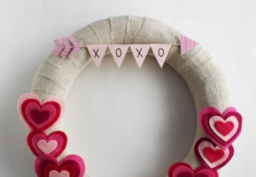 Lovely Handmade Valentine's Wreath Designs (Part 1) - Valentine's Wreath, DIY Valentine's Day Wreaths, diy Valentine's day wreath