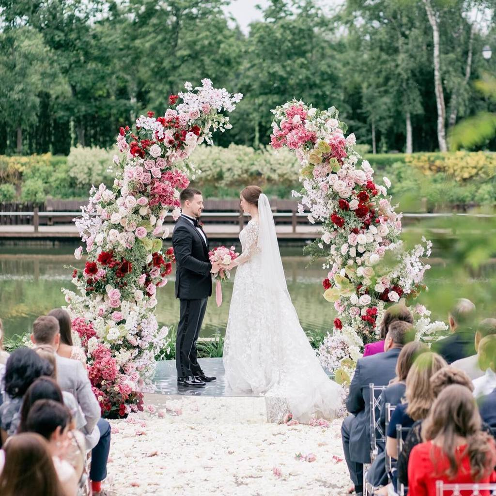 floral altar arch for garden wedings