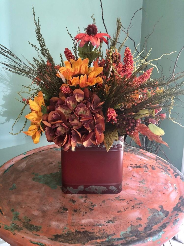 14 Easy DIY Thanksgiving Centerpieces for Your Holiday Table - DIY Thanksgiving Decorating Ideas, DIY Thanksgiving Centerpieces, DIY Thanksgiving Centerpiece Ideas, DIY Thanksgiving Centerpiece, DIY Thanksgiving