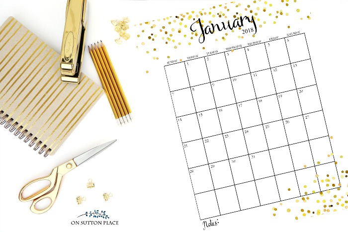 2018 Free Printable Monthly Calendar: Includes 12 months, weekly planner, weekly meal planner, faith planner and 2018 wreath printable.