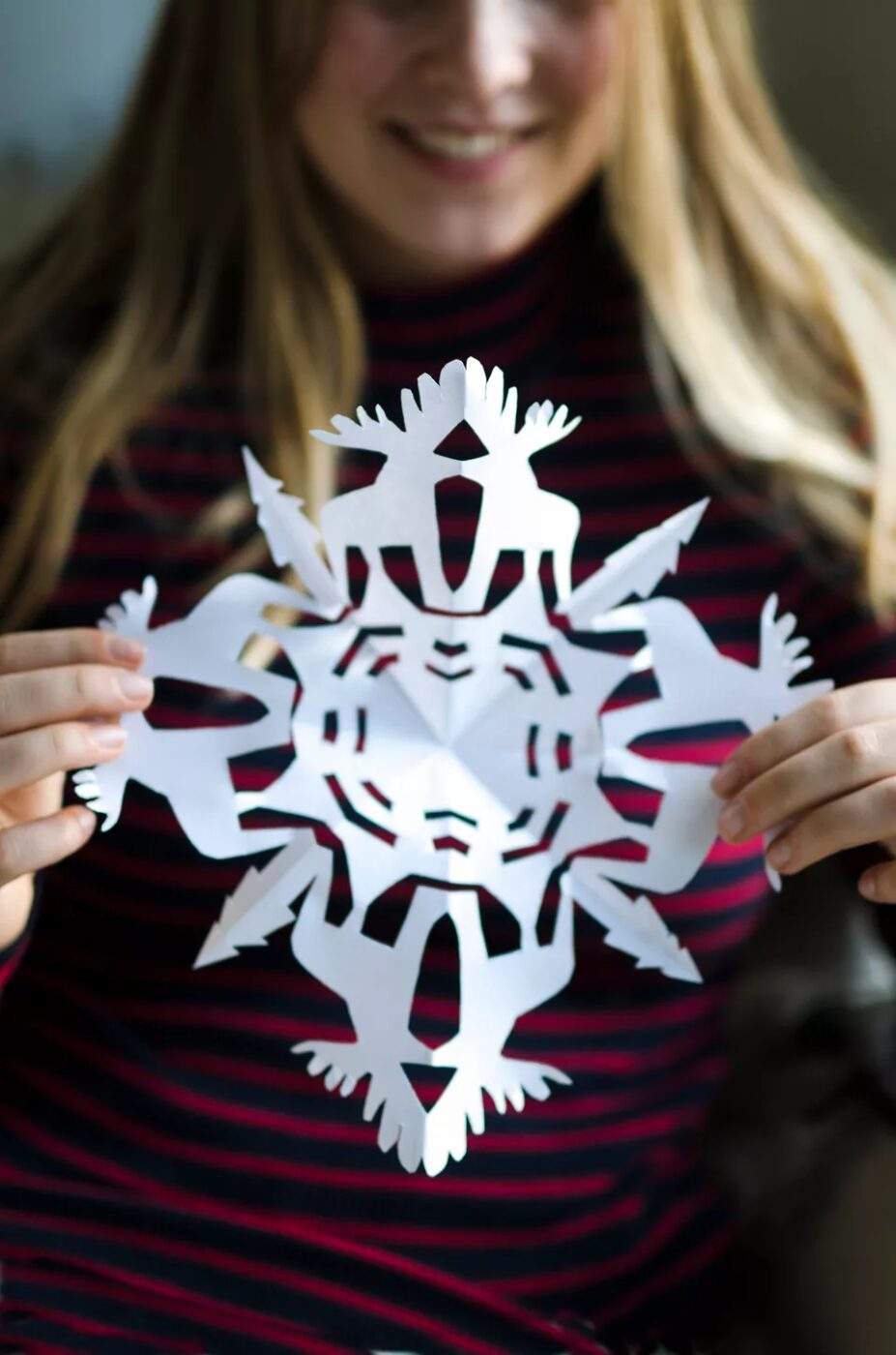 Make a Snowflake Craft 14 Ideas to Make Paper Snowflakes