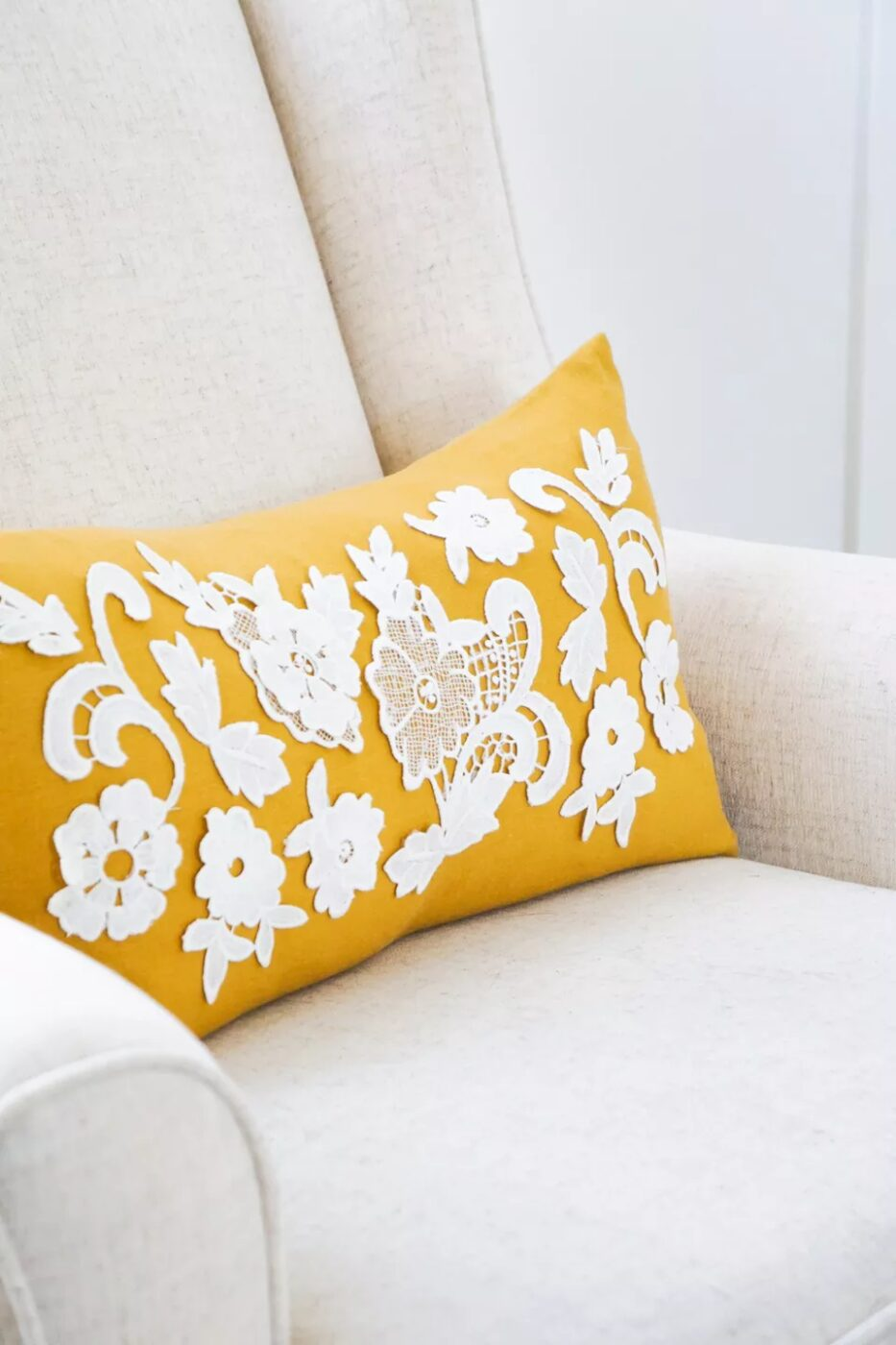 DIY Lace Applique Pillow