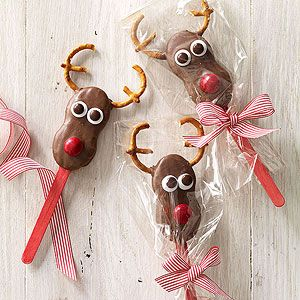 nutter butter reindeers | 25+ Rudolph crafts, gifts and treats | NoBiggie.net
