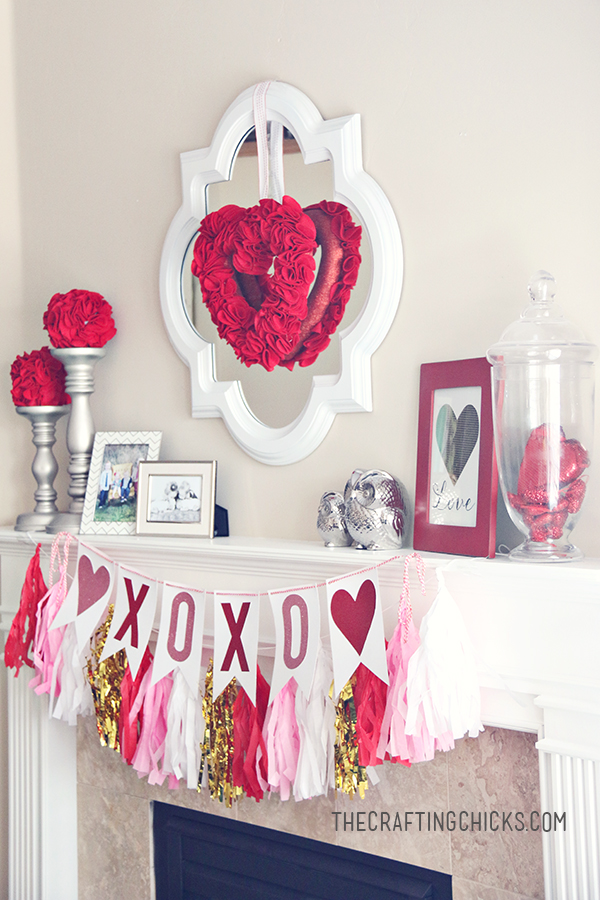 Valentines Day Mantel Decorations and Ideas