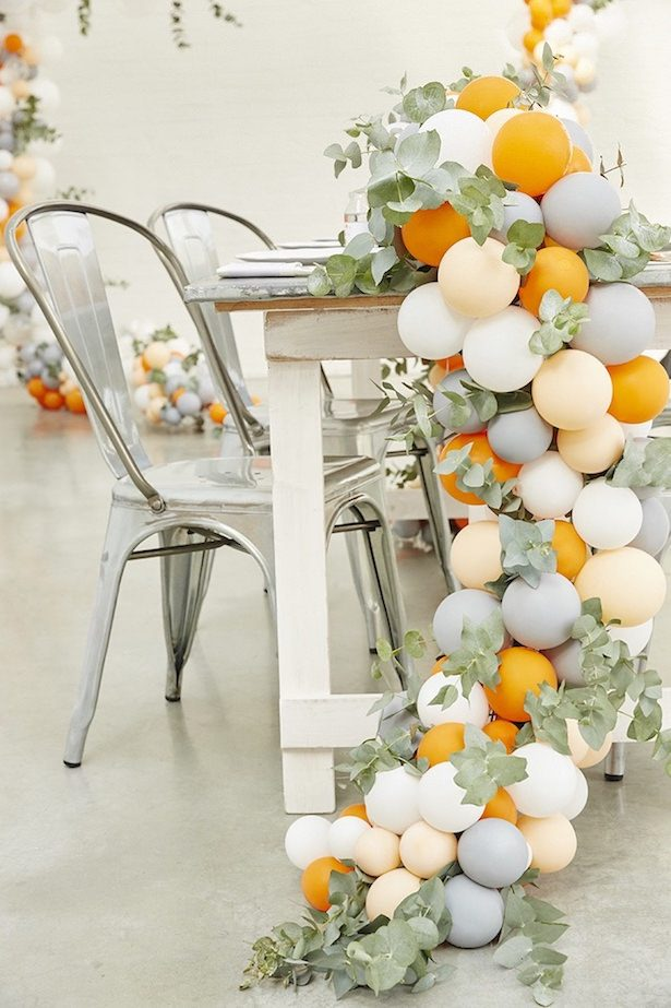 Wedding balloon centerpiece - Photographer: Emma Tunbridge