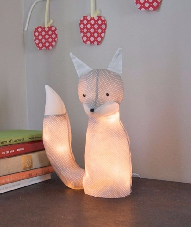 String Light DIY ideas for Cool Home Decor | Electrified Fox Lamp are Fun for Teens Room, Dorm, Apartment or Home | http://diyprojectsforteens.com/diy-string-light-ideas/
