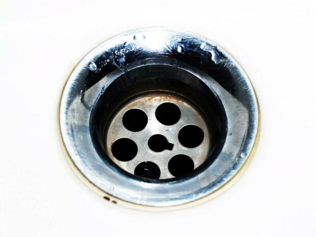 Tips To Make The Stinky Drains Smell Pleasant Again - vinegar, stinky, soapy water, salt, professional, lemon, help, drain, cause, boiling water, Baking Soda