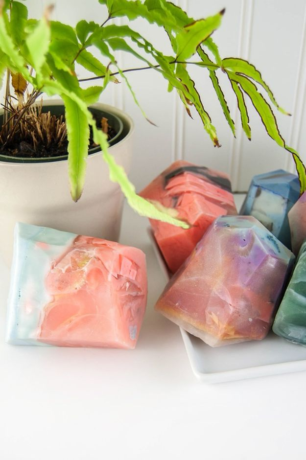 Soap Recipes DIY - DIY Soap Rocks - DIY Soap Recipe Ideas - Best Soap Tutorials for Soap Making Without Lye - Easy Cold Process Melt and Pour Tips for Beginners - Crockpot, Essential Oils, Homemade Natural Soaps and Products - Creative Crafts and DIY for Teens, Kids and Adults http://diyprojectsforteens.com/cool-soap-recipes
