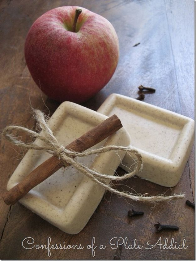 Soap Recipes DIY - Five Minute Spiced Apple Goats Milk Soap - DIY Soap Recipe Ideas - Best Soap Tutorials for Soap Making Without Lye - Easy Cold Process Melt and Pour Tips for Beginners - Crockpot, Essential Oils, Homemade Natural Soaps and Products - Creative Crafts and DIY for Teens, Kids and Adults http://diyprojectsforteens.com/cool-soap-recipes