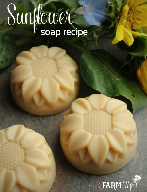 Soap Recipes DIY - Sunflower Soap - DIY Soap Recipe Ideas - Best Soap Tutorials for Soap Making Without Lye - Easy Cold Process Melt and Pour Tips for Beginners - Crockpot, Essential Oils, Homemade Natural Soaps and Products - Creative Crafts and DIY for Teens, Kids and Adults http://diyprojectsforteens.com/cool-soap-recipes