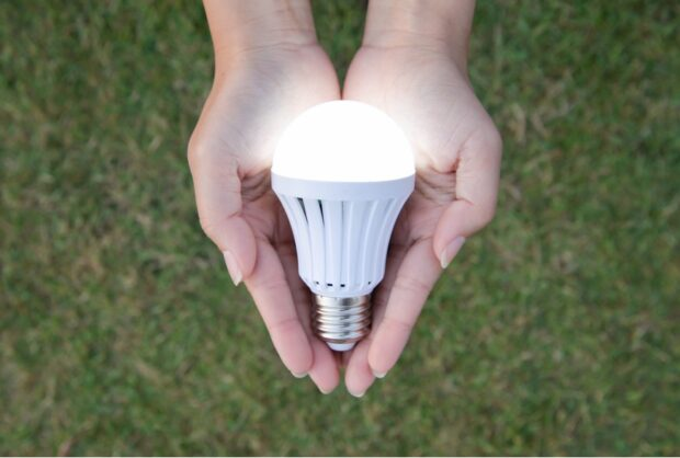 Reducing Wasteful Energy: 10 Smart Electricity Saving Tips