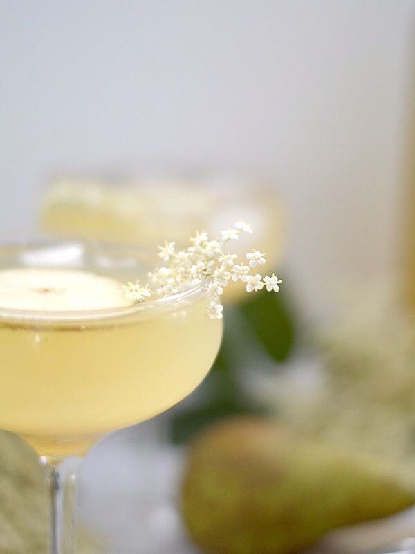 15 Festive Champagne Cocktail Recipes (Part 2)