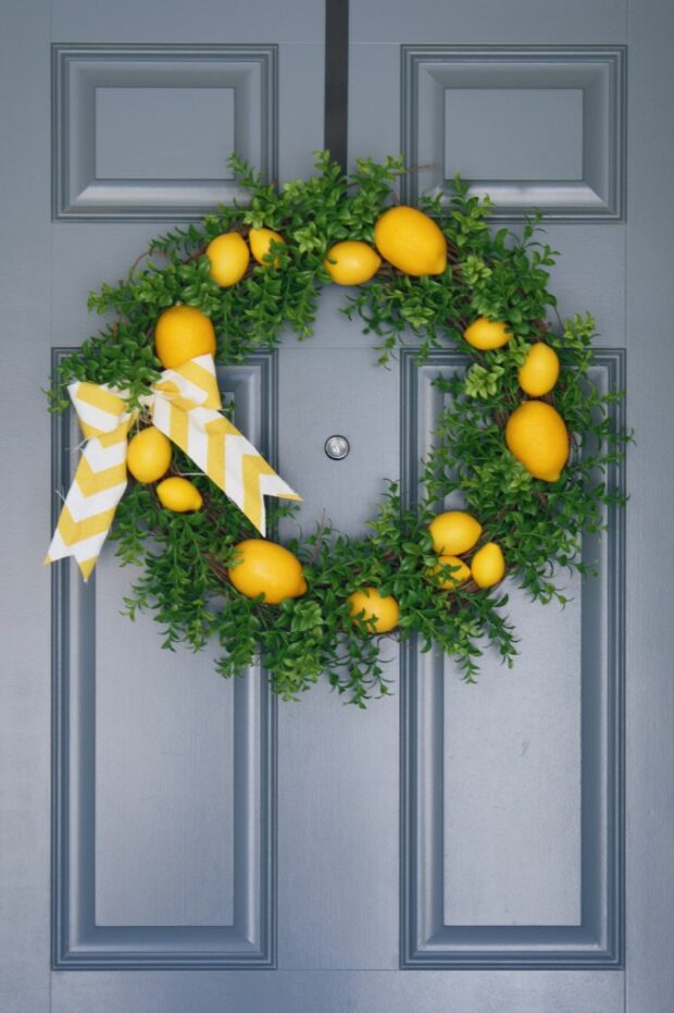 13 DIY Summer Wreaths - DIY Summer Wreaths, diy summer wreath, diy summer projects, DIY summer
