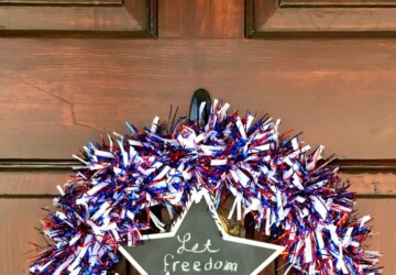 15 Great DIY 4th Of July Wreaths (Part 2) - Patriotic DIY 4th Of July Decor Ideas, DIY 4th Of July Wreaths, DIY 4th Of July Wreath