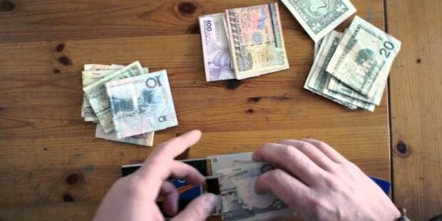 5 Tips To Keep Your Money Safe While Traveling - travel, safe money, money
