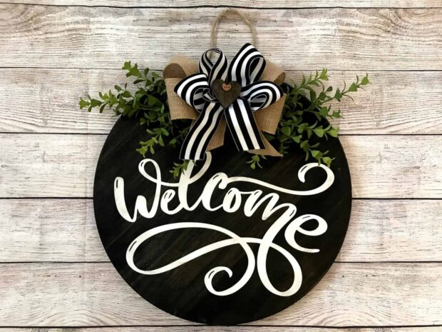 DIY Welcome Signs for Your Front Porch