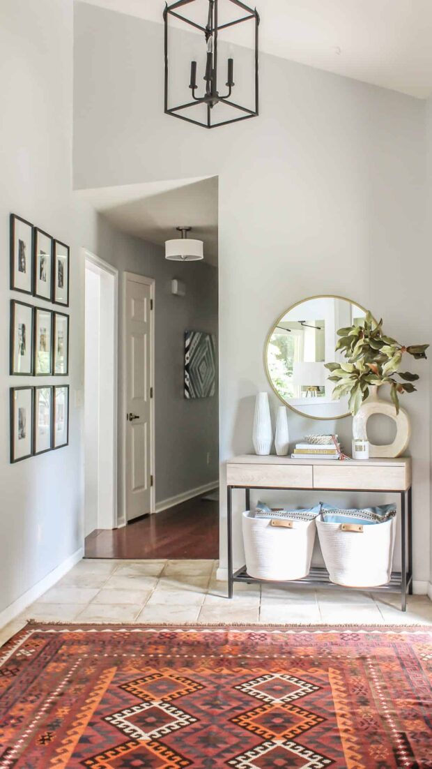 Awesome Ideas for DIY Home Entryways - Home Entryways, Entryways, DIY Home Entryways