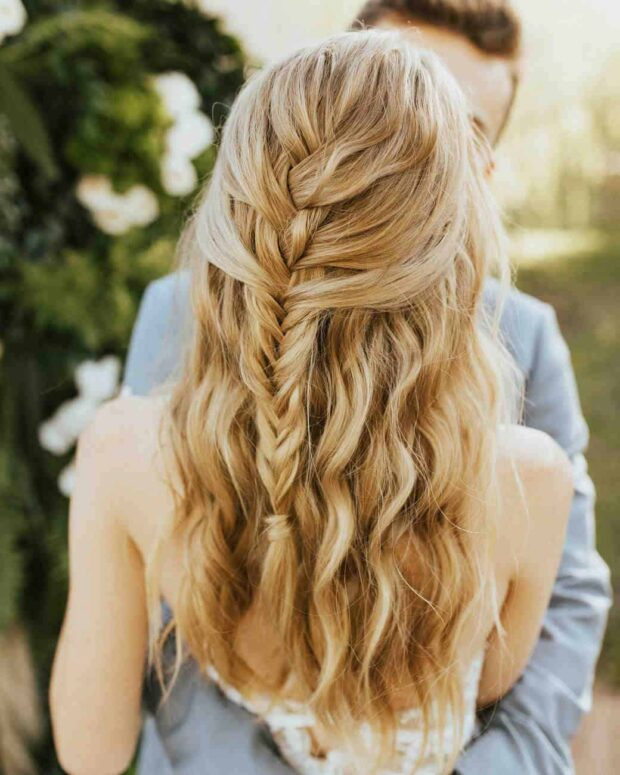 10 Romantic Wedding Hairstyles for Long Hair