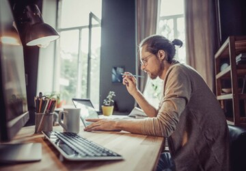 5 Ways to Stay Comfortable While Working at Home - work from home, eye strain, eat healthy, Dress, comfortable, comfort, balance