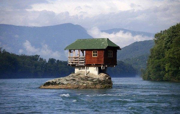 The 7 Unusual Home Designs You Never Imagined