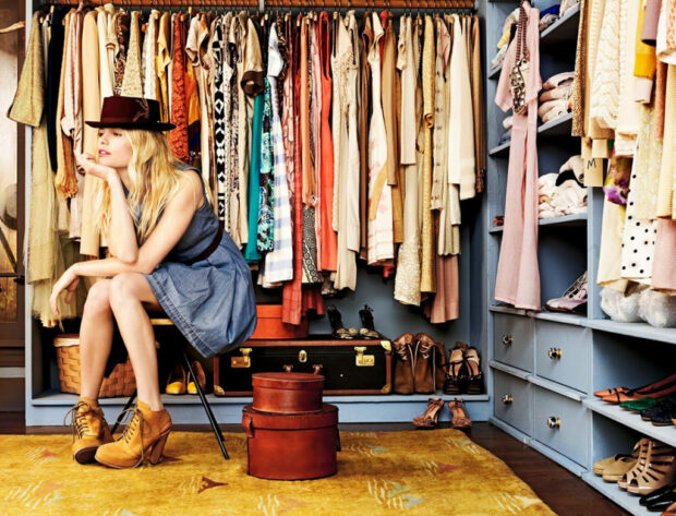 10 Items Every Minimalist Should Have In Her Wardrobe