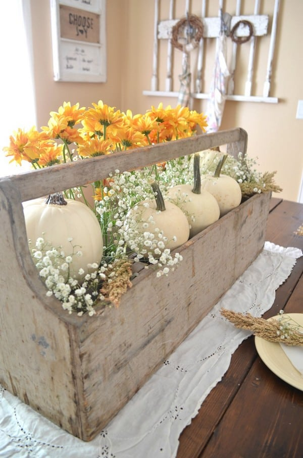 13 Best DIY Fall Centerpiece Ideas for 2020 - DIY Fall Centerpieces, DIY Fall Centerpiece Ideas, DIY Fall Centerpiece