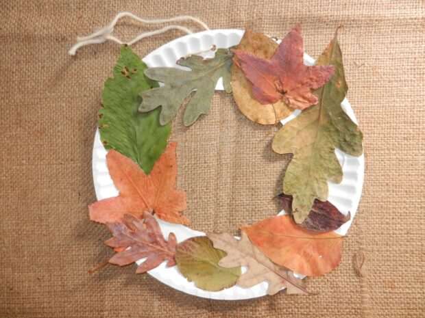 13 Easy Crafts To Make With Fall Leaves