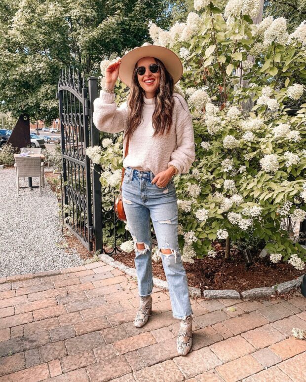 The Best Jeans Trends to Wear This Fall - street style jeans outfits, jeans for fall, fall jeans outfit ideas