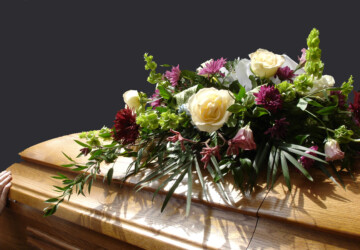 Sending Sympathy Flowers - What You Need To Know - red rose, lily, gladioli, Flower, etiquette, carnations