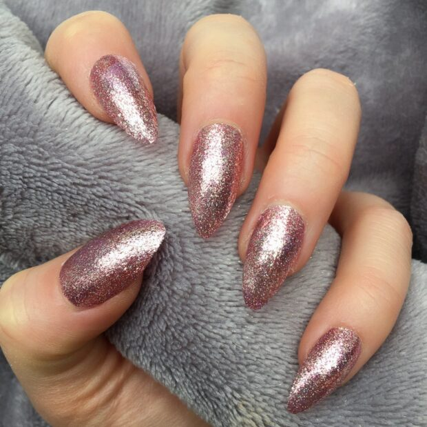 Gorgeous Rose Gold Nail Art Designs