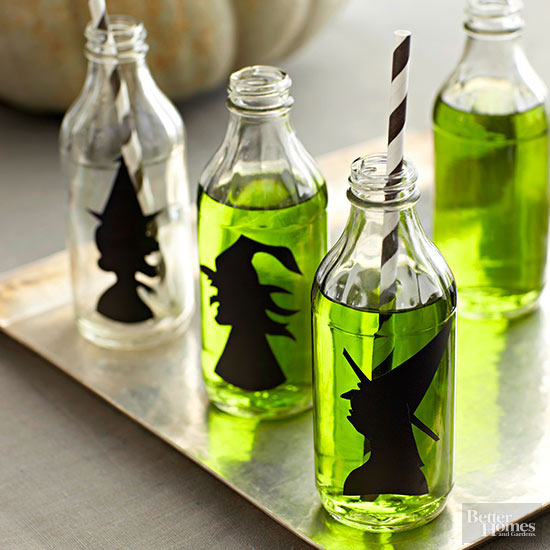 15 Witch-Themed Halloween Decorations To DIY - Witch-Themed Halloween Decorations To DIY, Witch-Themed Halloween Decorations, Witch-Themed Halloween, Witch Crafts for Kids to Make this Halloween, Witch Crafts for Halloween, witch