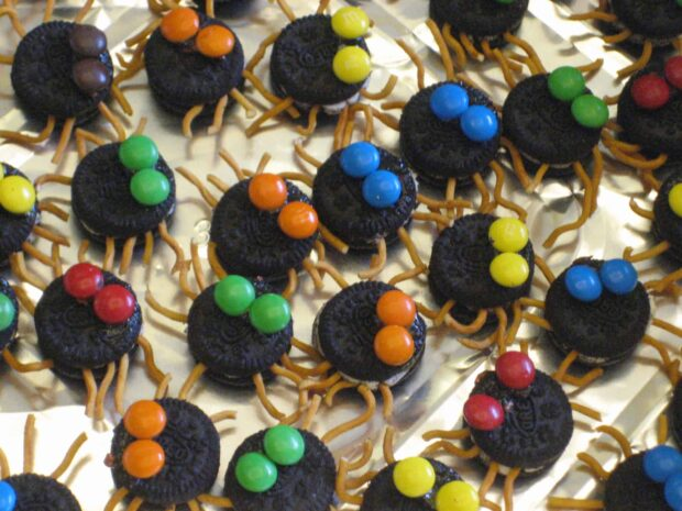 13 Halloween Party Finger Food Ideas for a Spooktacular Party - Party Finger Food Ideas, Halloween Party Finger Food Ideas, Halloween Party Finger Food, Halloween party