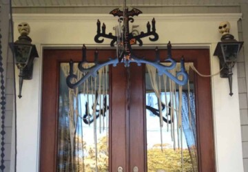 13 DIY Scary and Fun Halloween Door Decoration Ideas - Halloween Door Decoration Ideas, Halloween Door Decoration, DIY Halloween Door Decor, DIY Halloween Door