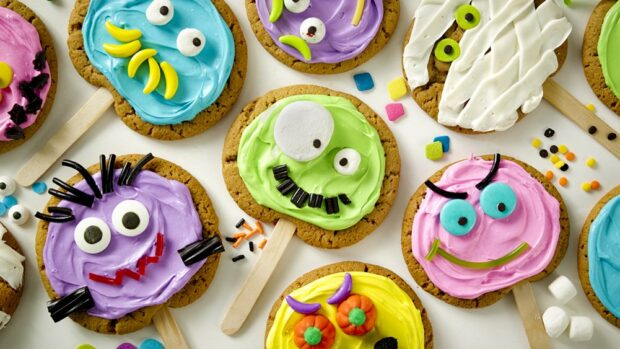 Halloween Desserts: 15 Great Recipes for Cakes, Cookies And Cupcakes (Part 1) - Halloween desserts, Halloween Dessert Ideas for Kids, Halloween Dessert