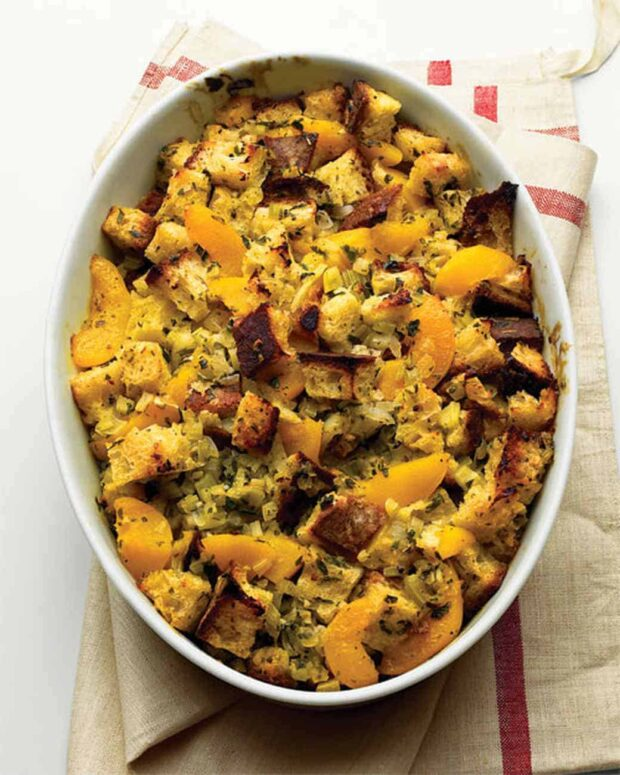13 Classic Thanksgiving Side Dishes To Make For The Holiday - Traditional Thanksgiving Recipes, Thanksgiving side dishes, Thanksgiving Side Dish Recipes, Thanksgiving recipes