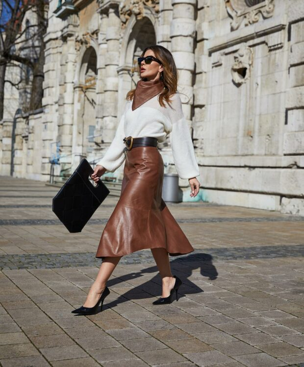 How To Style A Midi Skirt For Fall: 13 Great Outfit Ideas - Midi Skirt For Fall, fall midi skirt outfit, fall midi skirt