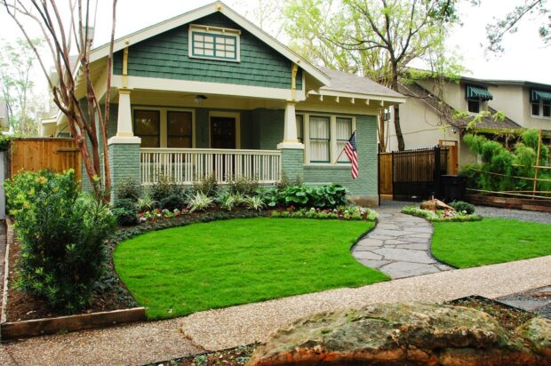 Mesmerizing Ways To Improve Your Front Yard View - watering, soil, outdoor, garden
