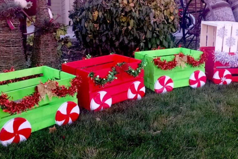 13 Best DIY Outdoor Christmas Decorations to Get Your Yard in the Spirit - Outdoor Christmas Decorations, DIY Outdoor Christmas Decorations