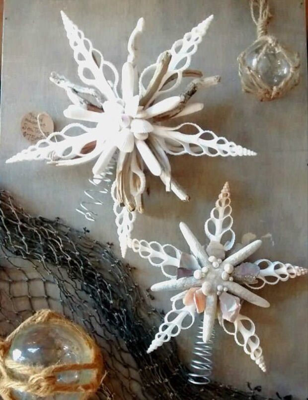 13 Spectacular DIY Christmas Tree Toppers You Can Make Yourself! - DIY Christmas Tree Toppers, DIY Christmas Tree Topper, Diy Christmas tree, DIY Christmas Table Decorations