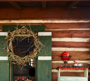 15 Ways to Decorate Your Front Porch for Christmas (Part 1) - Rustic DIY Christmas Decor Ideas for Front Porch, Front Porch for Christmas, front porch design, front porch