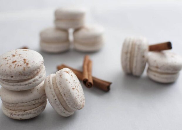 12 Recipes for The Best Winter Flavored Macarons (Part 2) - winter macarons, Winter Flavored Macarons, macarons recipes, macarons dessert, Flavored Macarons